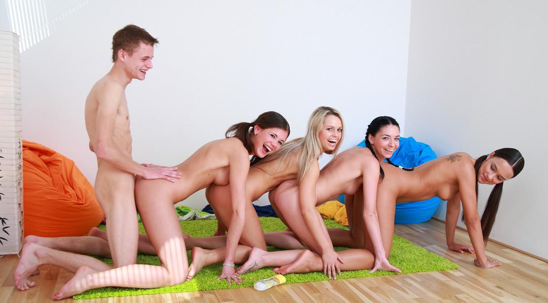 Групповуха, порно групповуха, смотреть групповое порно онлайн